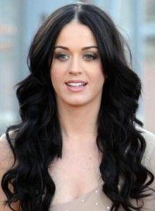 Довге чорне волосся. Фото