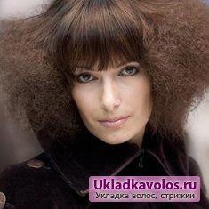 Модні зачіски для жінок після 40