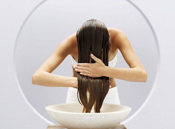 Ополіскування волосся оцтом зробить вашу шевелюру розкішної