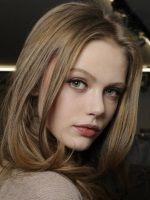 Середньо-русявий колір волосся фото