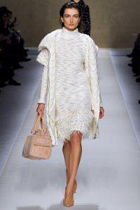 В`язані речі - светри, плаття, пальто, кардигани, водолазки. Які кольори і фасони актуальні?