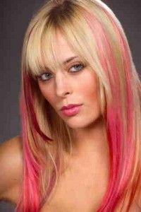 Волосся з кольоровими пасмами